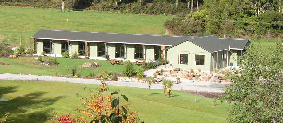 Cabin Lodges – Lake Brunner Country Motel & Holiday Park, Moana Accommodation, New Zealand